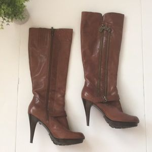 GUESS Brown leather Bowler platform boots